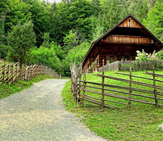 Holzhaus / Pixabay